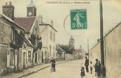Ancienne carte postale de la mairie de Villeron